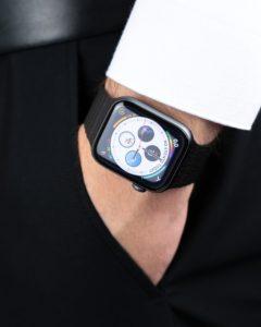 Часы apple на руке (Al.Palladin)